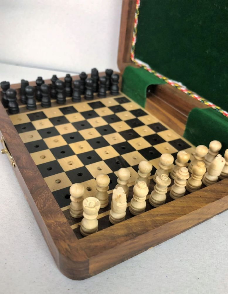 Sheesham Rosewood Handcrafted Pin Board Travel Chess Set